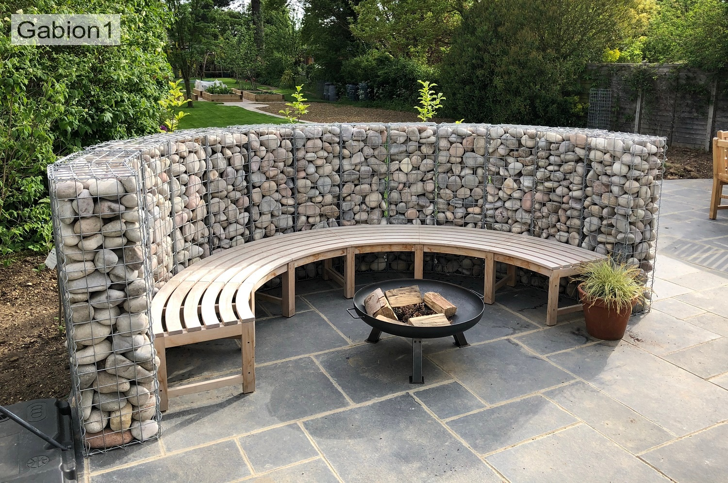 curved gabion seating wall